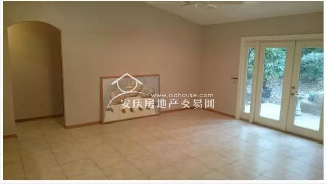 放暑假了,去看看北京学区房一个厕所能买美国啥样的豪宅