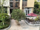 中央新城别墅+一手房过户+税少+前后大花园+带独立车位