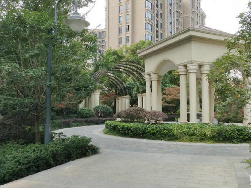 西湖绿洲城二期+豪装3房+证满2年+房主诚售