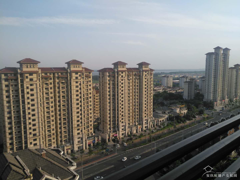大发二期+中间楼层94平精装大两房+证满两年+江景房