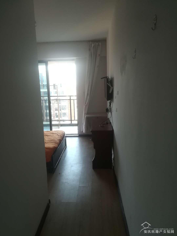 西湖绿洲城精装小公寓拎包即住房.