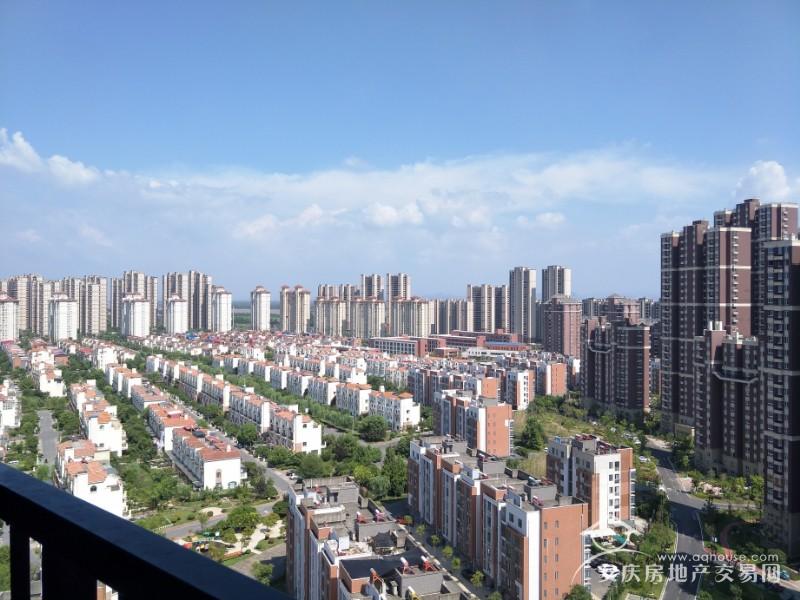 大发四期+小高层20楼129平毛坯大三房+视野非常好+东边户