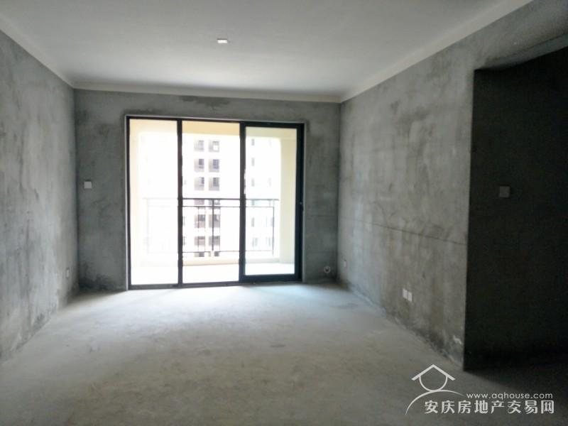 绿地四期 24楼108平毛坯3室2厅1卫 随时看房