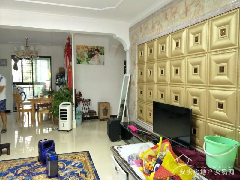 急售绿地二期 119平精装三居室 证满两年 拎包入住