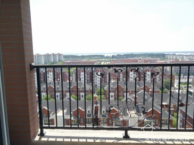 大发三期 小高层江景房 88平大两居 户型正 前无遮挡