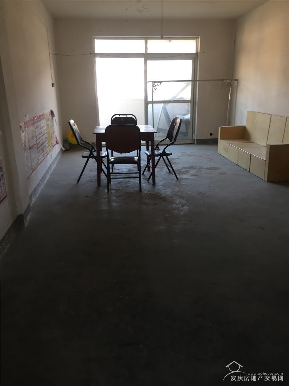 新宜小区新双莲寺小学对面2室1厅87平空调热水器家具800