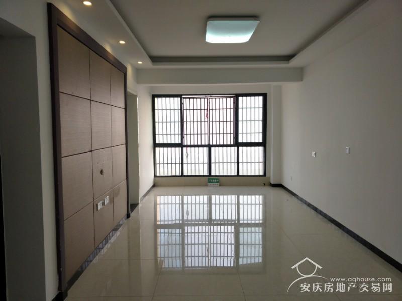碧桂园一号公园 业主精装83平 江 景大两房  证满两年