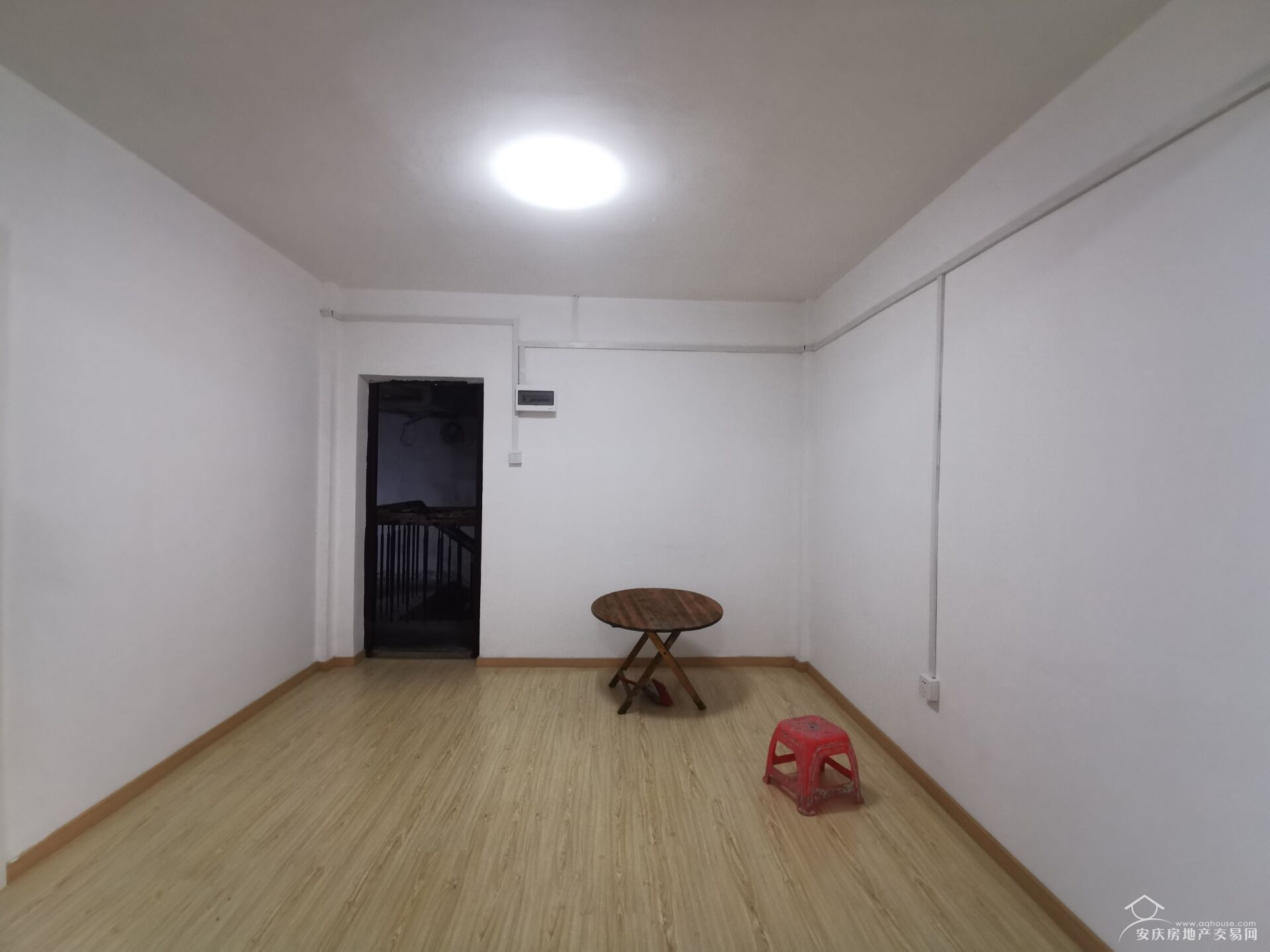 红旗小区两室一厅对外整租