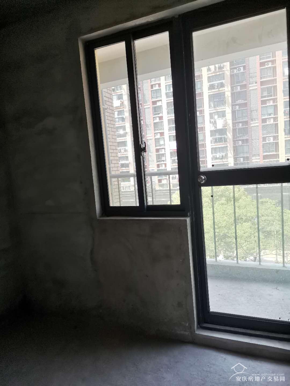 谐水湾迎江府 中间9楼 3室2厅2卫  南北通透好户型