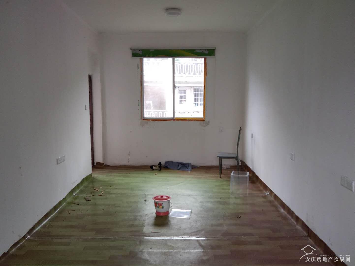 毛纺厂男集宿舍  毛坯4楼 小户型 急售 很有可能拆迁