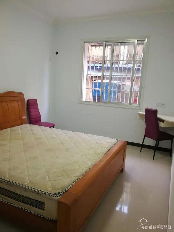 宜城路御景国际正对面一楼精装房二室一厅49.8万